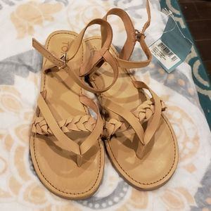 TOM'S Honey Leather sandals NWT